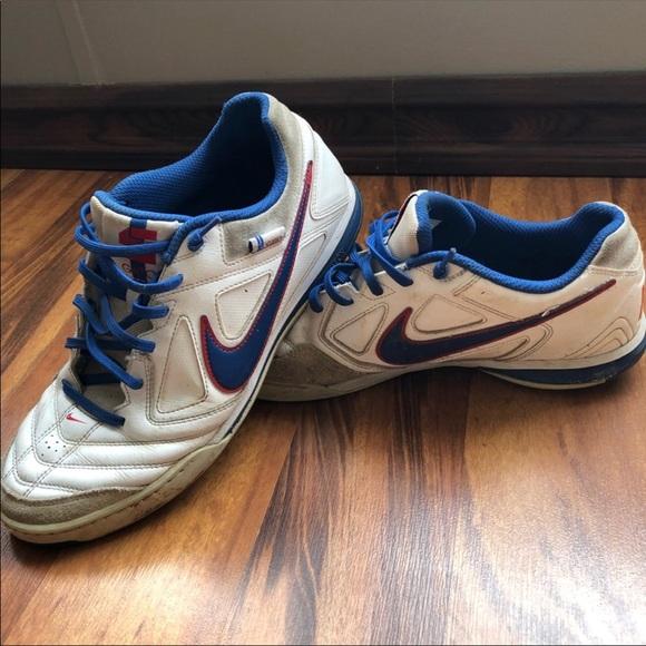 a36fc2fd2 Men s Nike Gato indoor soccer shoes. Size 10. M 5ad3582da4c4859694febd20